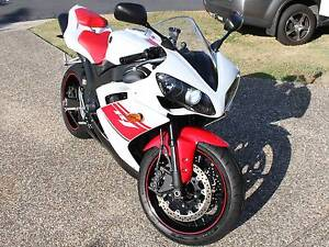 Yamaha 2008 YZF R1  White/Red Super Sport Sippy Downs Maroochydore Area Preview