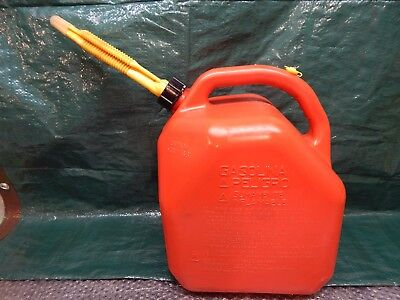 Vintage Clean Scepter Canada 5 Gallon Vented Gas Fuel Can Storing Spout