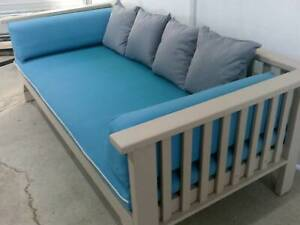 Outdoor Daybed ( Heavy )