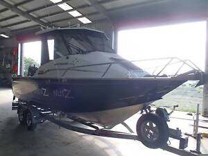 2015 Barcrusher 670 HT with 200 suzuki lean burn only  39 hours Ipswich Ipswich City Preview
