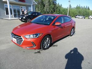 2017 Hyundai Elantra GL HEATED SEATS, HEATED WHEEL!