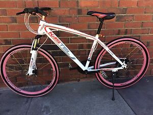 NEW CONDITION KASTEL  FULL ALLOY BIKE MEDIUM FRAME Fremantle Fremantle Area Preview