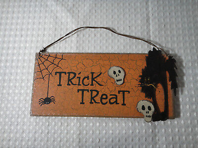 Halloween Trick Or Treat Wood Hanging Sign Wall Door Hanger Plaque Decor