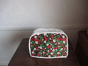 strawberry 2 slice appliance toaster cover new. Black Bedroom Furniture Sets. Home Design Ideas