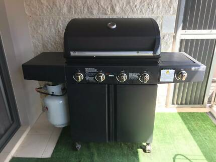 Red Centre Bronte 4 burner BBQ w side burner PRICE DROP