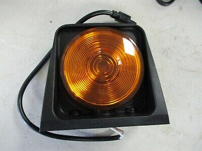 73358107 Genuine Cnh Case New Holland Surface Mount Turn Signal Amber Light