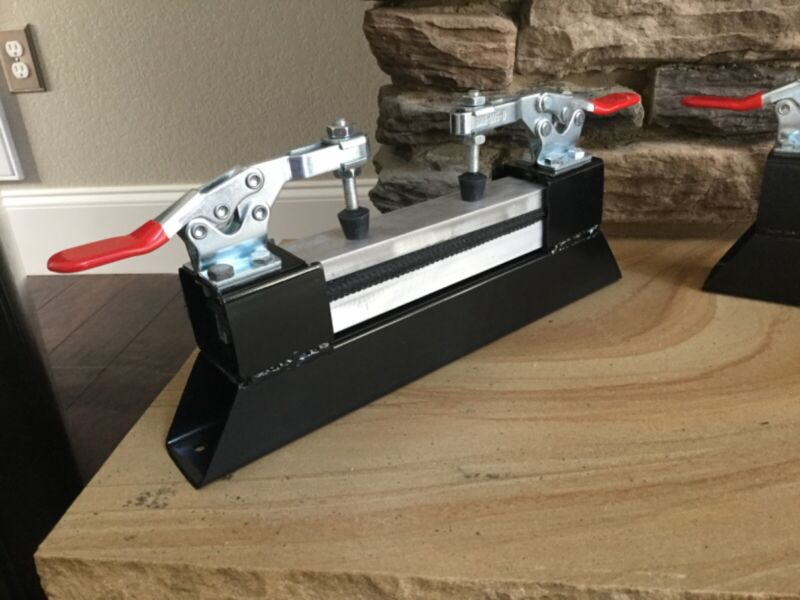 Fiber Optic Splicing Clamp- Mounts to table/bench