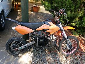 125cc Dirtbike Elizabeth Playford Area Preview