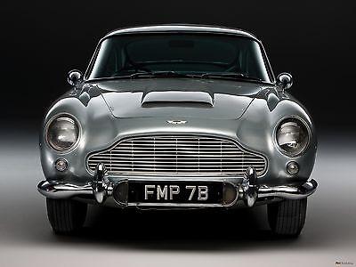 James Bond Aston Martin DB7