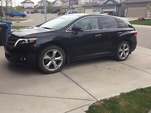 2013 Toyota Venza AWD Limited - 2 sets of tires