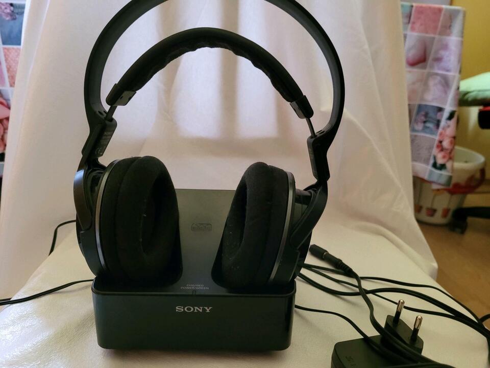 Sony Kabellose Kopfhörer,mit Ladegerät in Hemau