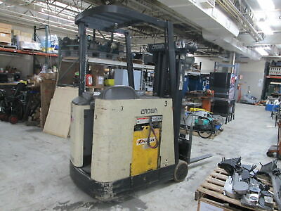 Crown Rc3020-35 36volt 3000 Lbs Capacity Electric Stand-up Forklift Truck
