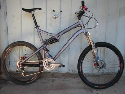 Pivot Mach 5 - Extra Large full suspension trail bike DW Link Page Belconnen Area Preview
