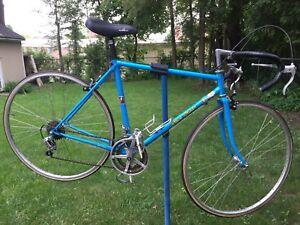 Steve Bauer Mistral 12-speed road bike - 21 inch frame