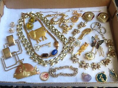 Vintage Jewelry Lot Necklace Earrings Brooch Pin Bracelet Thermoset & More -