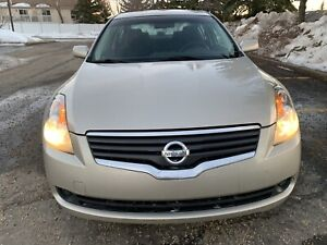 2009 Nissan Altima in good condition