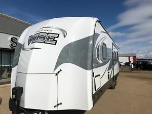 2017 FOREST RIVER VIBE  268RKS! OUTDOOR KITCHEN!
