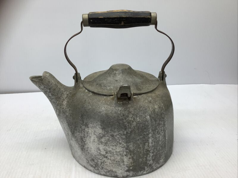 Antique Vintage Wagner Ware Sidney, Ohio - Colonial 5 Qt Cast Aluminum Kettle