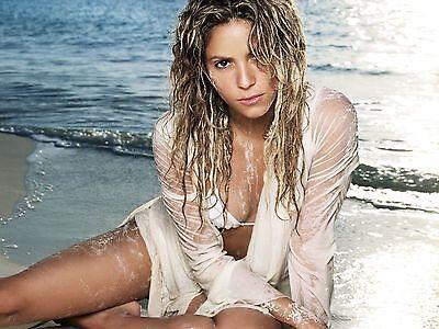 Shakira Unsigned 8x10 Photo (46)