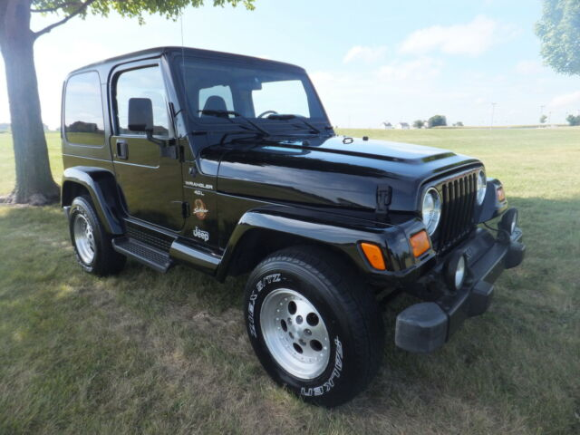 1998 jeep wrangler sahara 6 cyl auto air hard top doors. Black Bedroom Furniture Sets. Home Design Ideas
