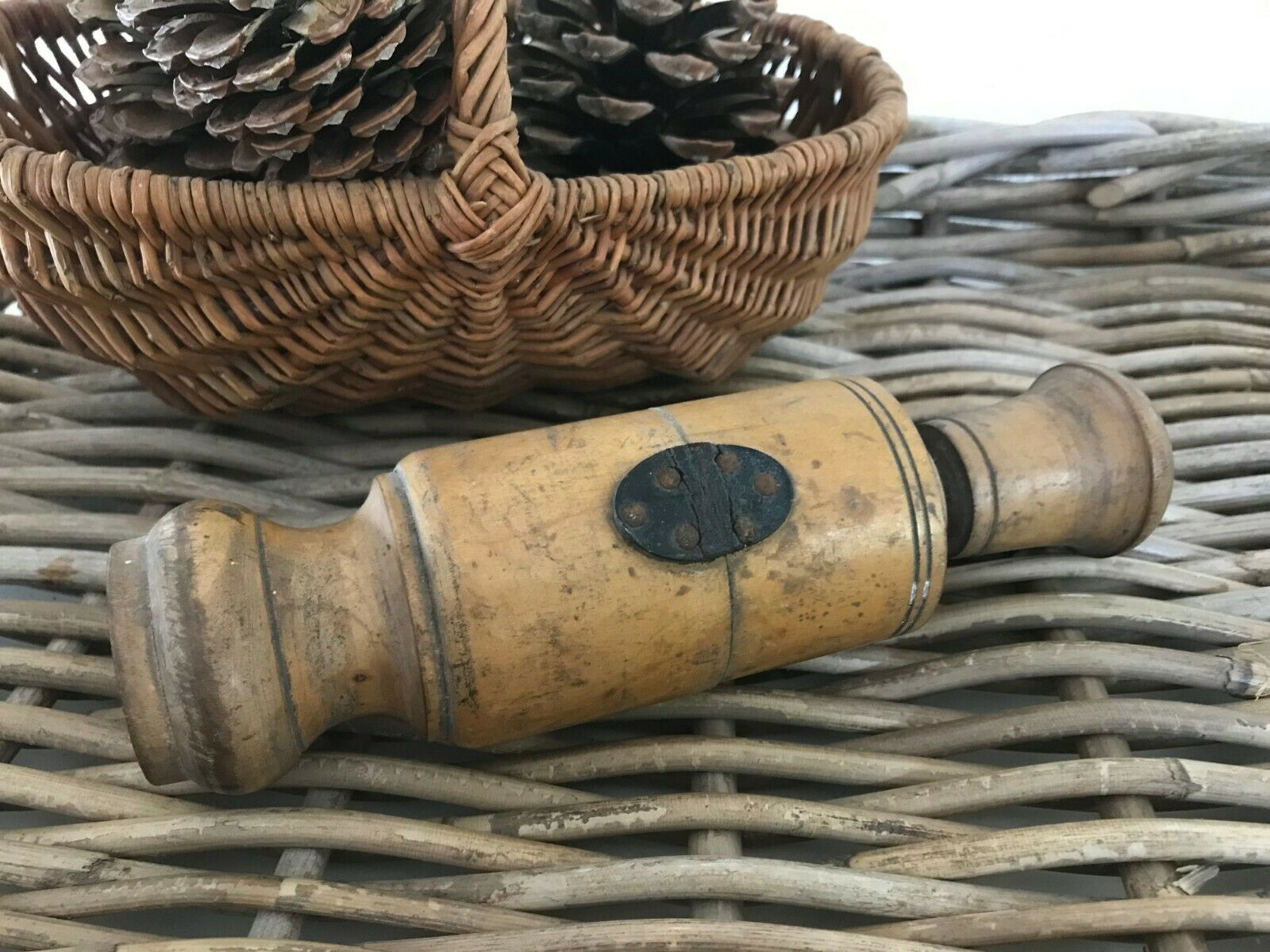 ???? ancien bouche bouteilles bouchonneuse en bois vintage