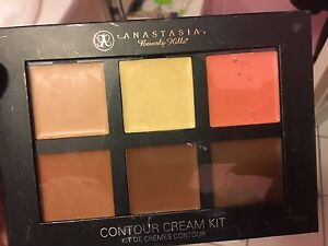 Anastasia Beverly Hill Cream Contour Kit