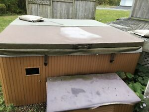 Beachcomber 7 person Hot Tub