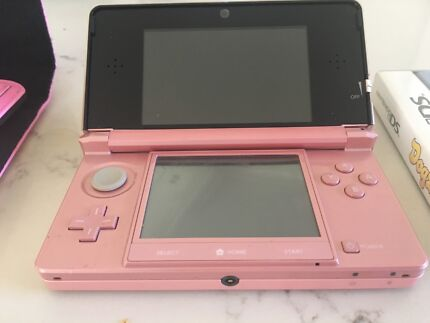Pink 3DS. Nintendo in perfect condition