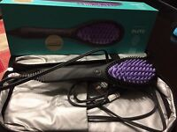 Dafni Brush Straightener