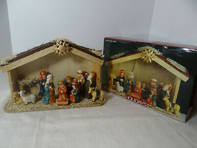 Home For Holidays Nativity Set 11 Porcelain Figurines Wood Creche Stable 2003