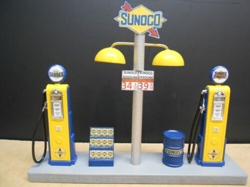 """"""" SUNOCO """" GAS PUMP ISLAND DISPLAY W/ GAS PRICE SIGN, 1:18TH, HAND CRAFTED,  NEW"""