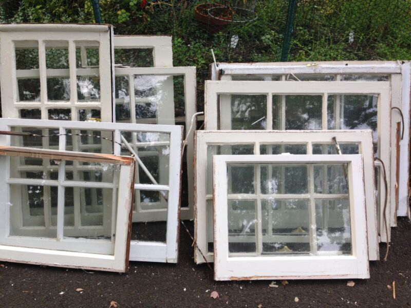 Vintage Andersen Wood Windows In Assorted Sizes. Great For Arts&Crafts Projects.