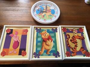 Winnie the Pooh pictures and working clock