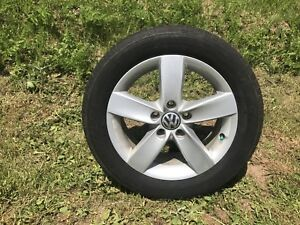 """16"""" VW Jetta rims and tires hold air"""