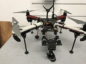 DJI F450 with Gimbal and retractable landing gear