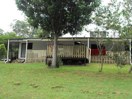 4 bedroom house with self cont. granny flat above on 10 acres