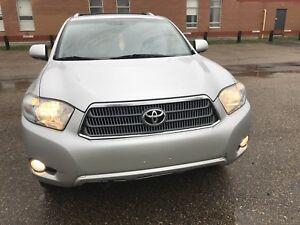 TOYOTA HIGHLANDER LIMITED WITH NAV