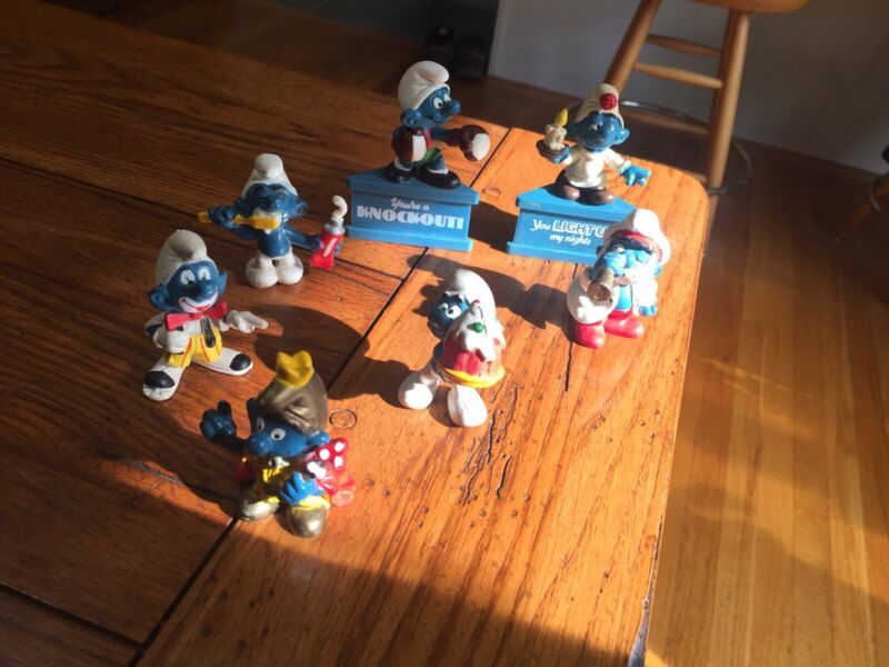 NICE VINTAGE MIXED LOT OF 7 SMURF FIGURINES ...PEYO.... SCHLEICH..