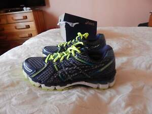 Asics Gel Kayano 19 shoes, fit womens size 8 US, brand new in box