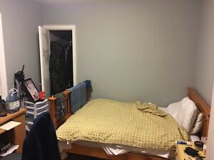 McMaster Sublet Student House