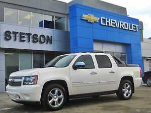 2011 Chevrolet Avalanche 1500 LTZ White Diamond Pkg DVD and Nav