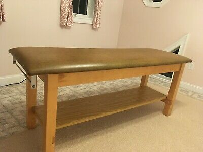 Sturdy Maple Examtreatmenttherapymassage Table With Vinyl Top And Lower Shelf