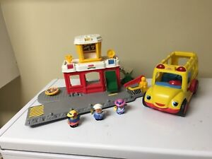 Little People airport and school bus