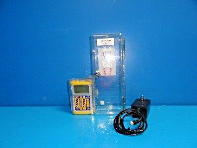 Hospira Gemstar Infusion Pump Yellow Cap W P389 Lock Box  Adapter 15681 -84