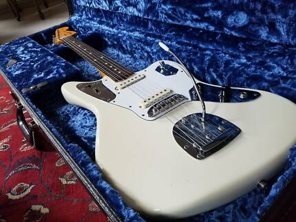 Fender Johnny Marr Jaguar (upgraded with Staytrem bridge)