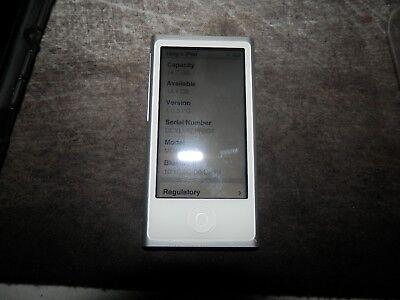 iPod Model A1446 16GB Silver MP3 Media Player -V.G.Condition /w Accessories READ