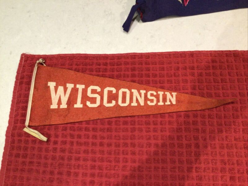 """Vintage Wisconsin Badgers Pennant 19"""""""