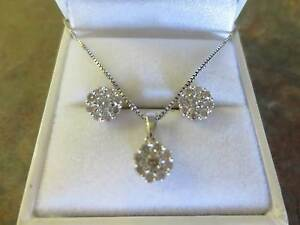 9ct White Gold Diamond Earrings, Diamond Pendant and Chain Set Bakers Hill Northam Area Preview