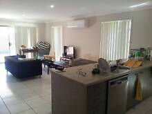 2 Bedrooms avalable in quiet modern sharehouse Waterford Logan Area Preview