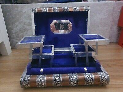 Vintage Embossed Metal Trinket/Jewellery Box felt lined